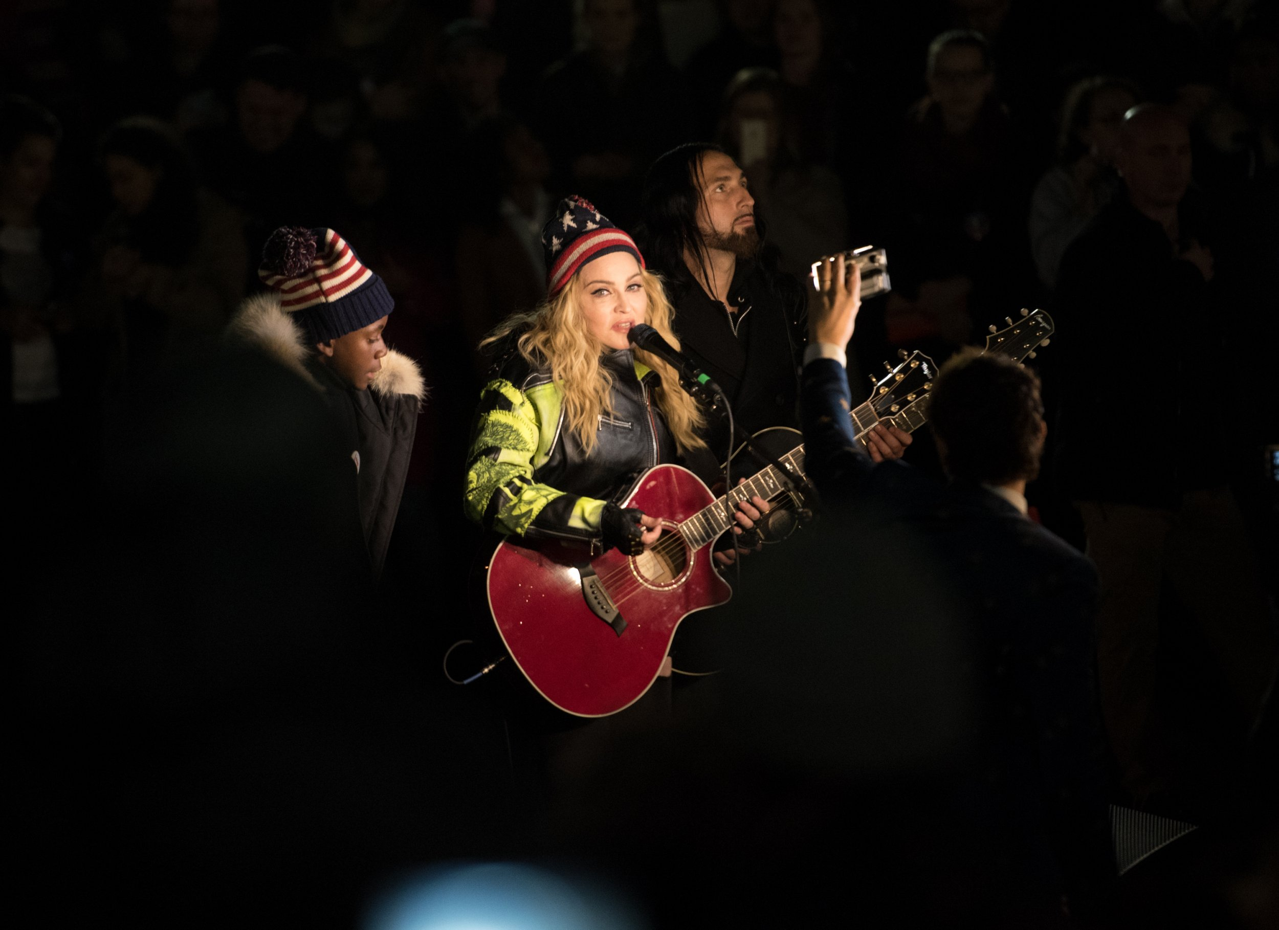11_7_Madonna_01