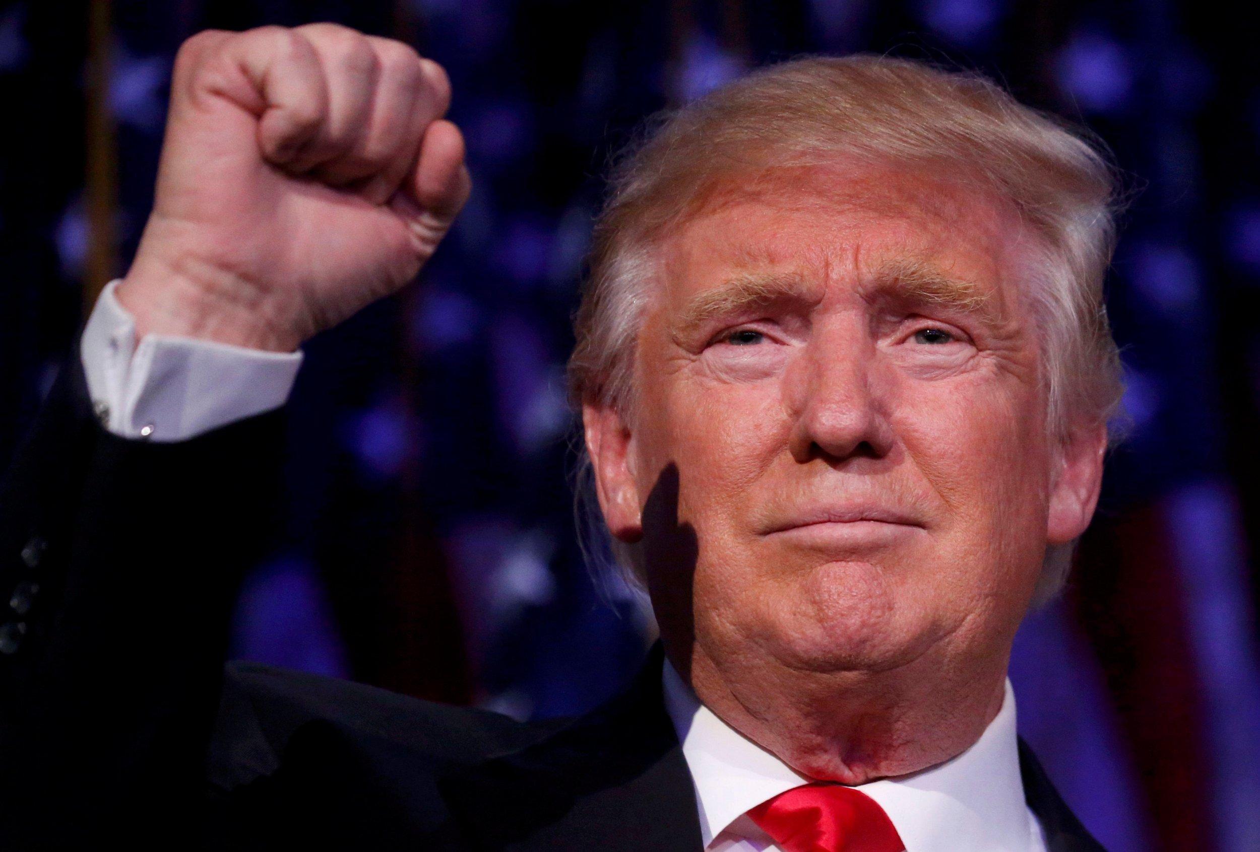 11_09_Trump_Survive_01