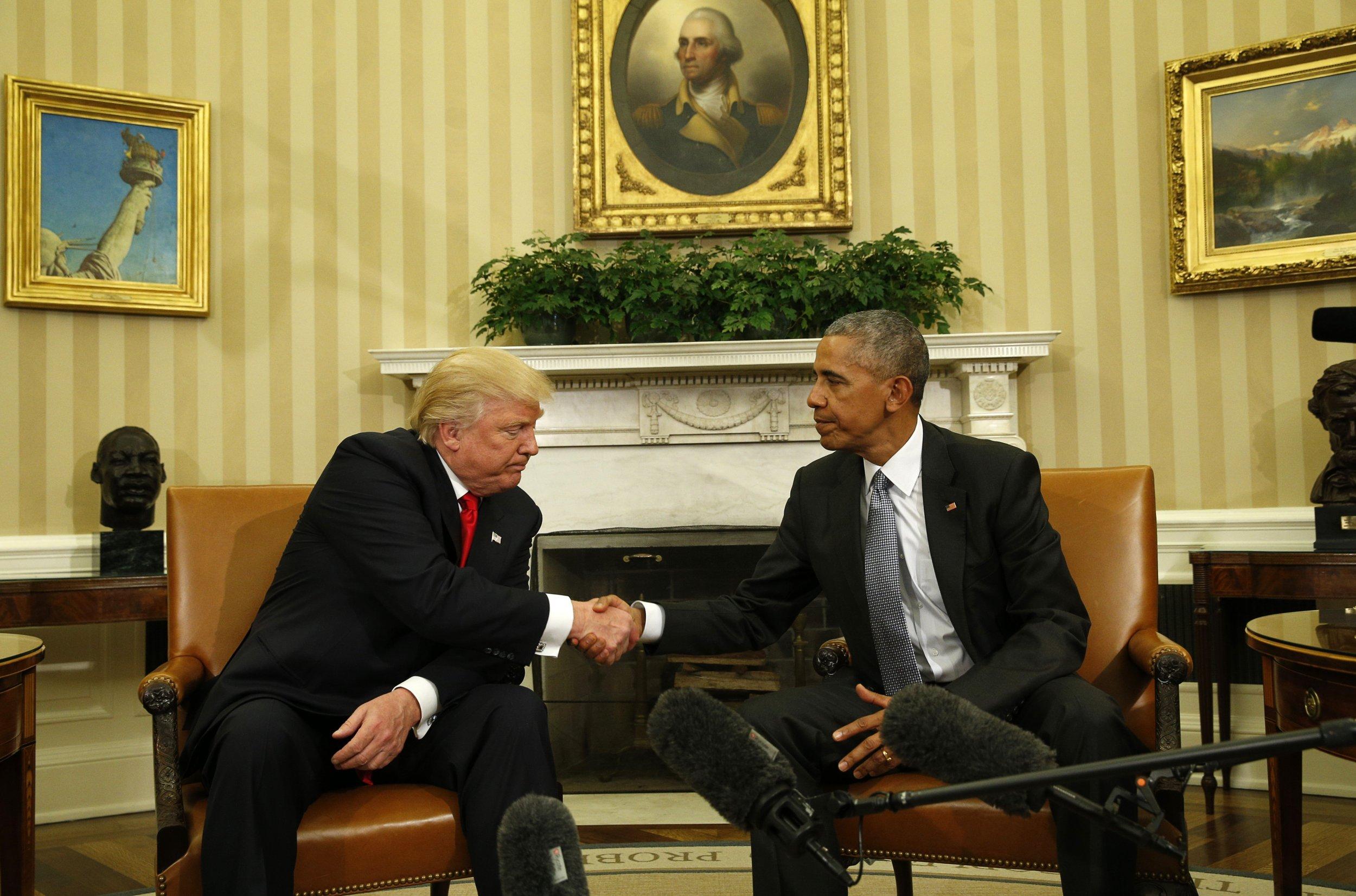 1110_Obama_Trump_03