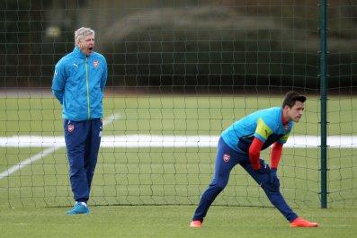 Arsenal manager Arsene Wenger, left, with striker Alexis Sanchez.