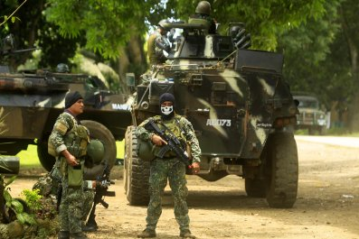 Philippine troops fighting against Abu Sayyaf
