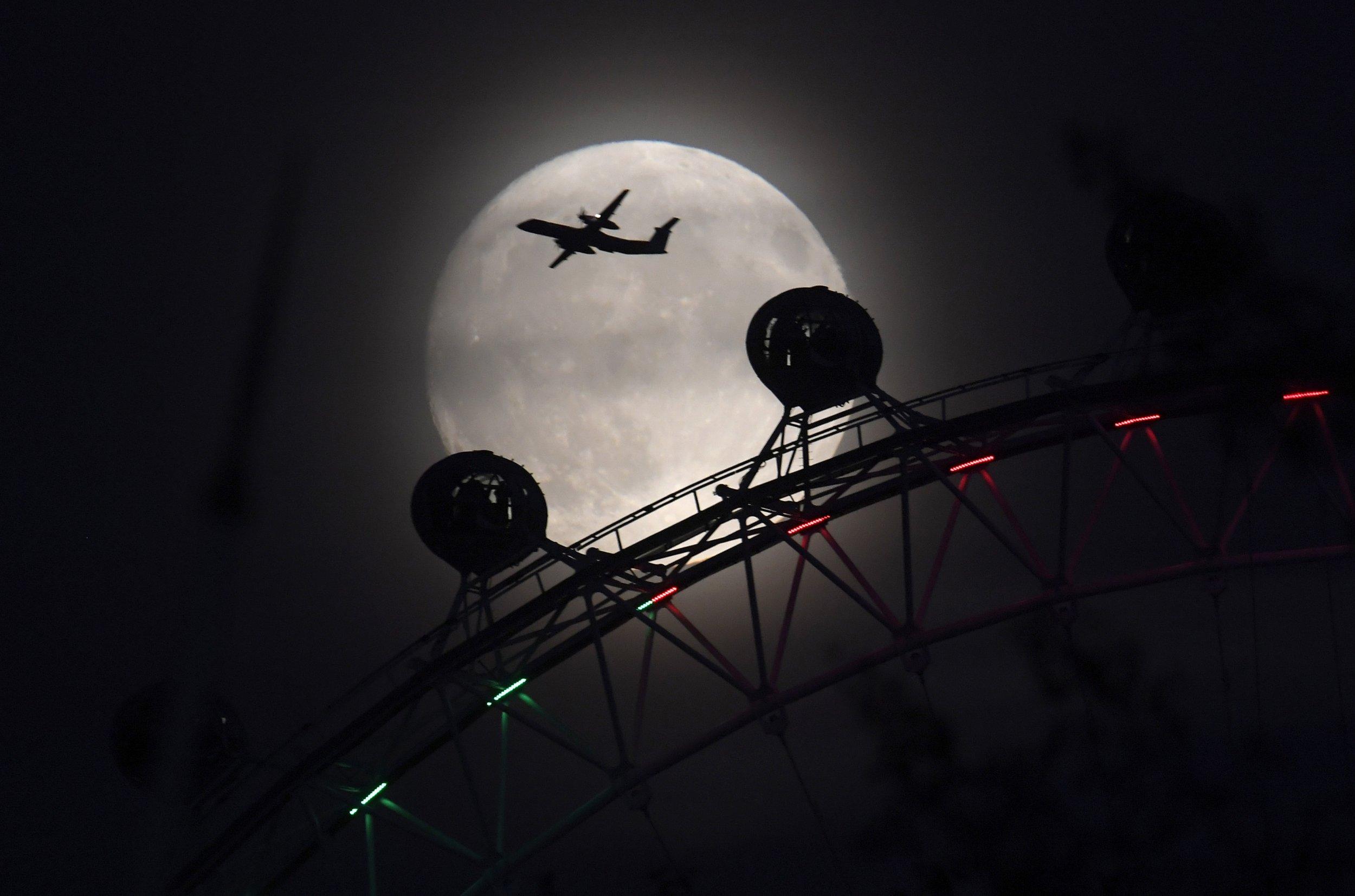 Supermoon over the London Eye