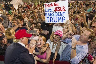 Trump meets supporters in Alabama
