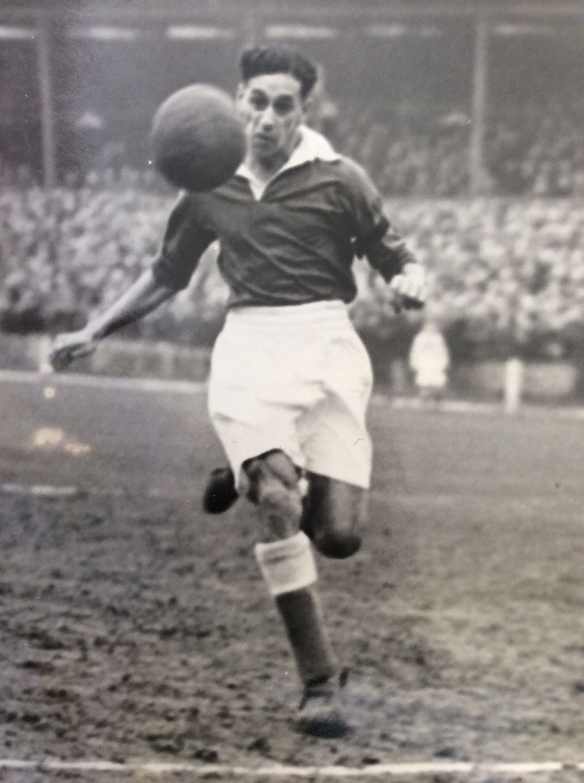 Collins played for seven clubs during his professional career.