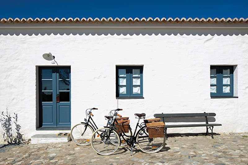 Minimalist Holiday Homes in Portugal Build Cultural Tourism
