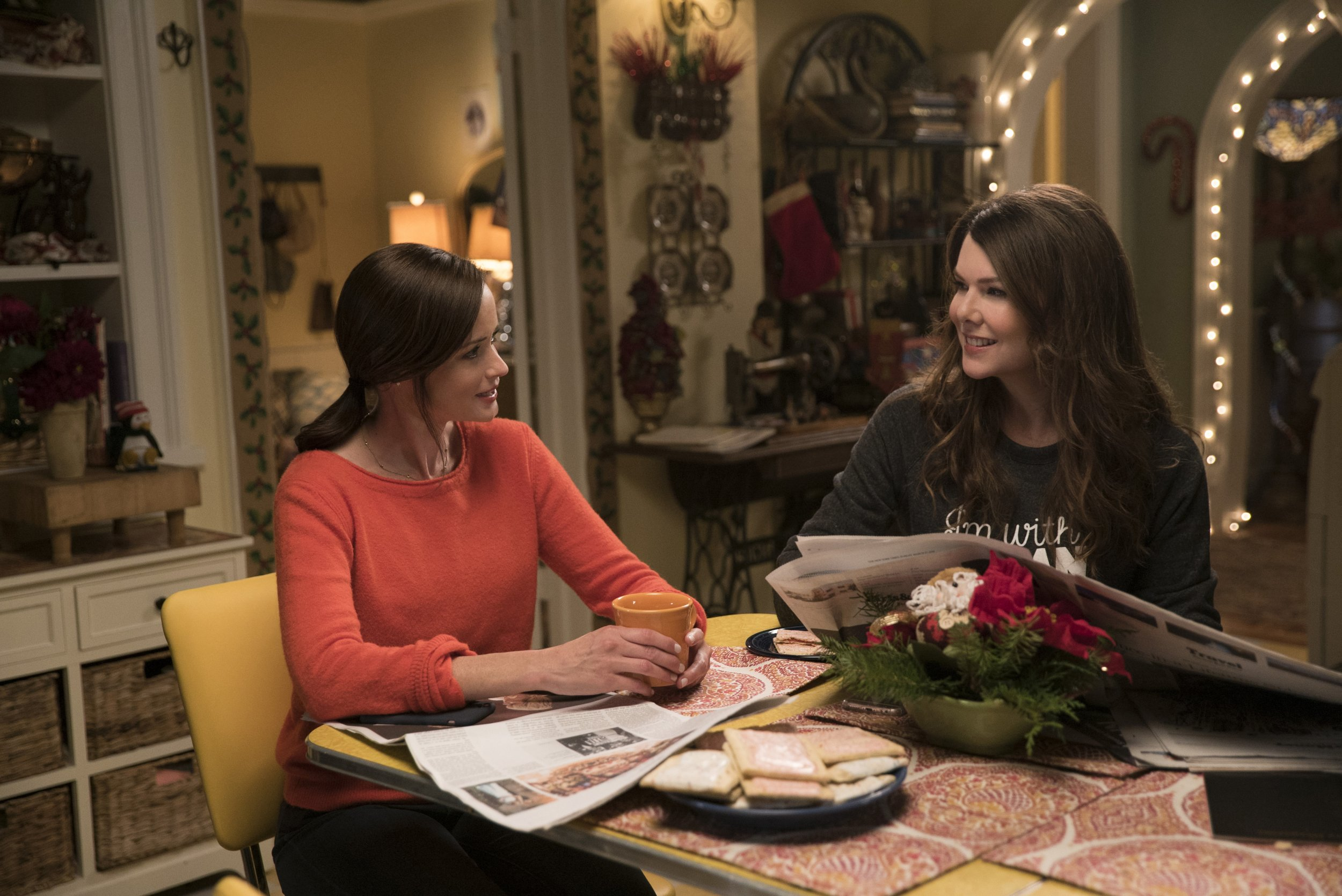every 'gilmore girls' revival pop culture reference, explained