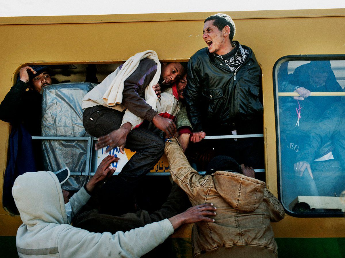 news-gallery-010314-libya-tunisia-border-refugees