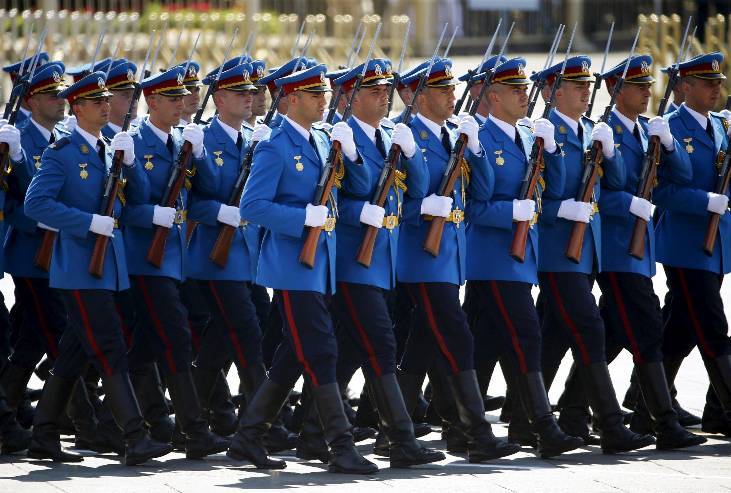 Serbian troops