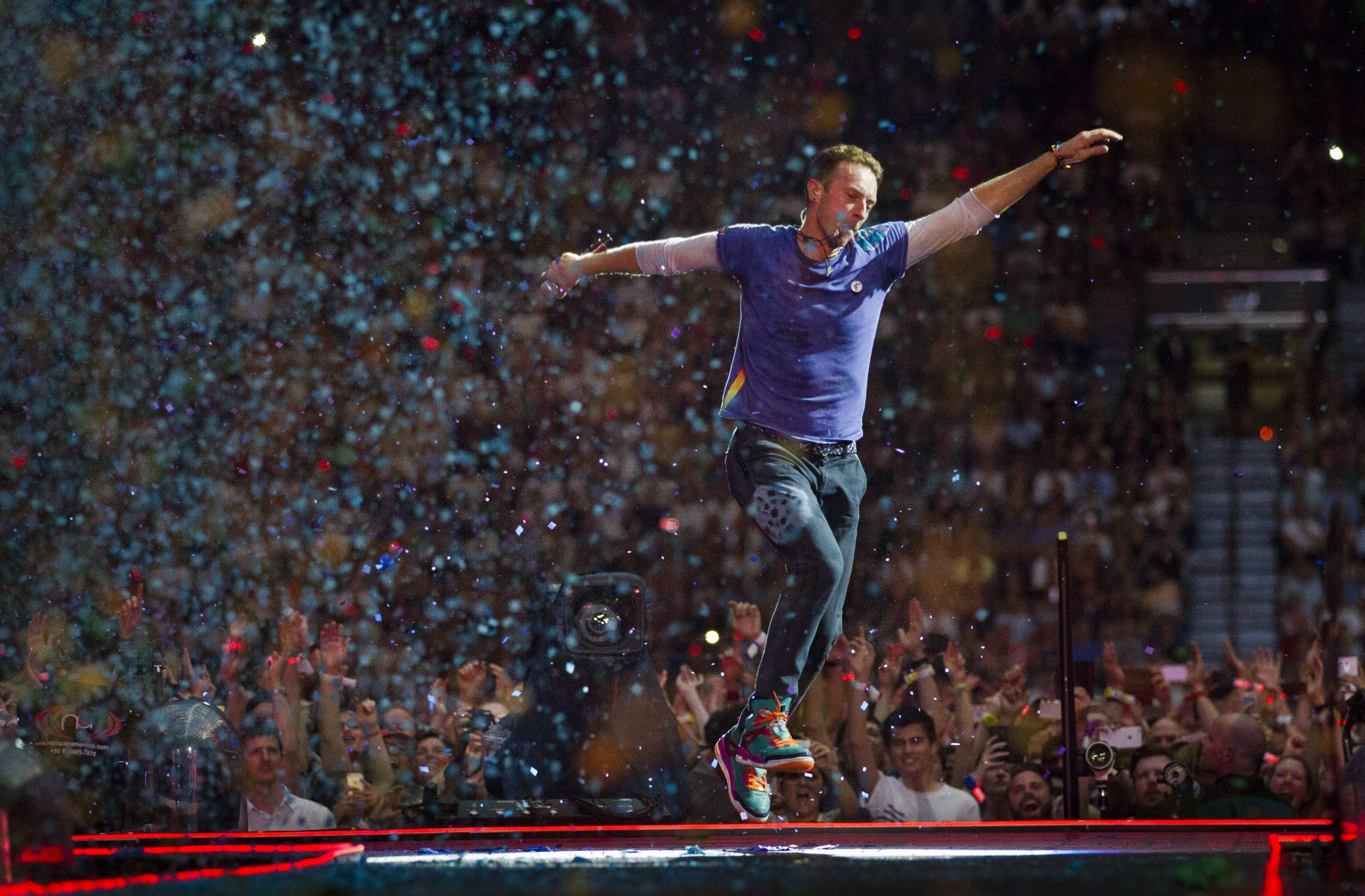 Coldplay tour in 2016