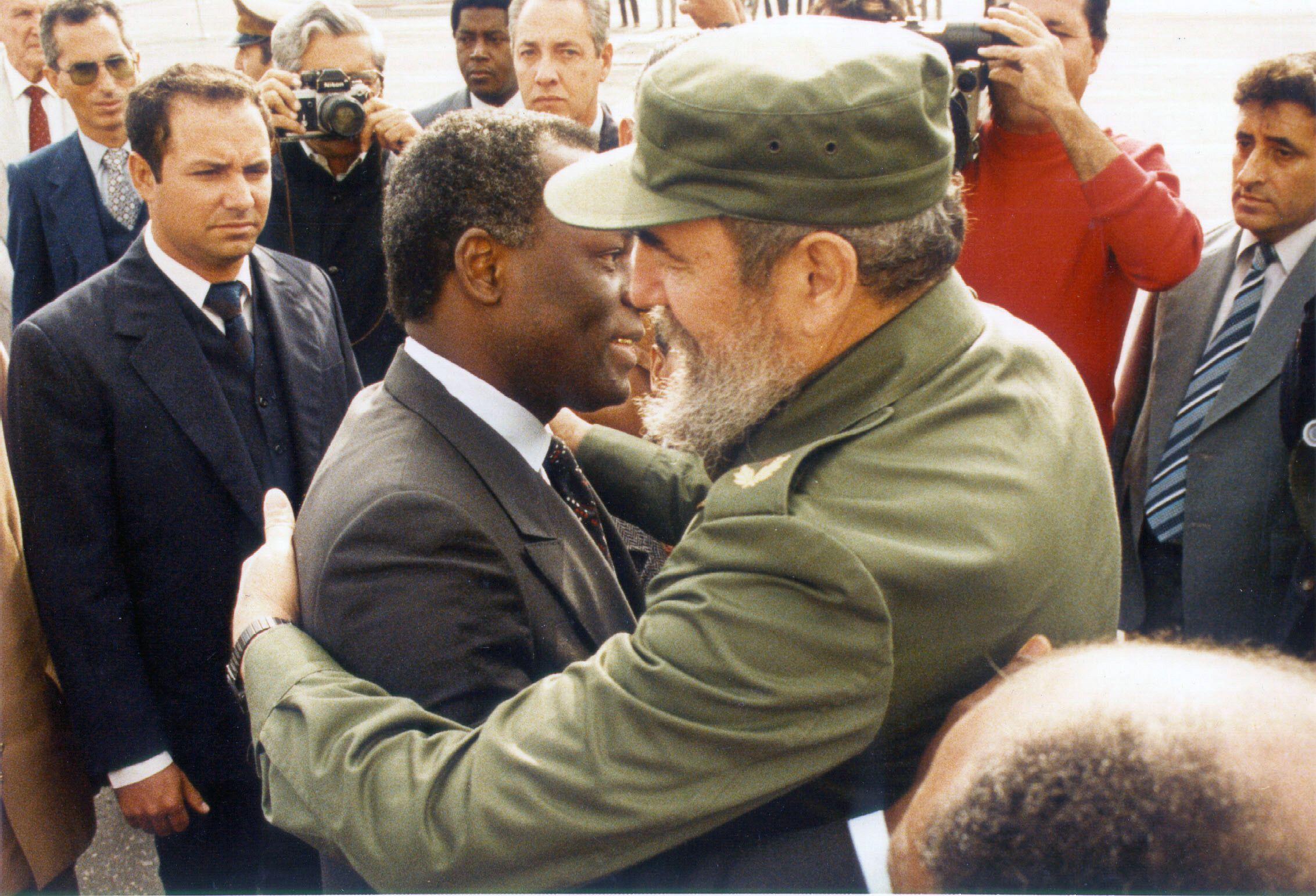 Dos Santos and Castro
