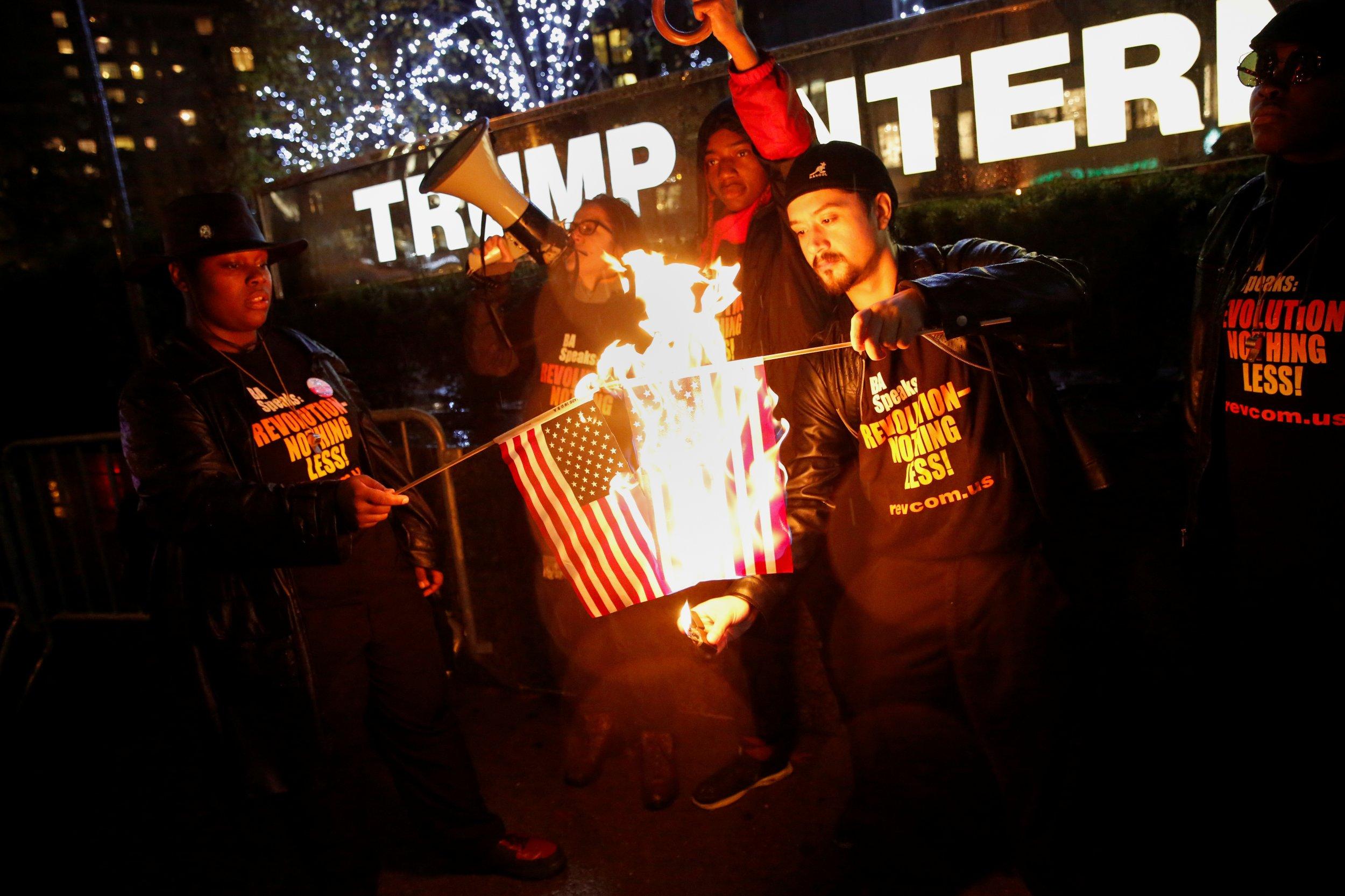 12_02_Trump_Flag_01