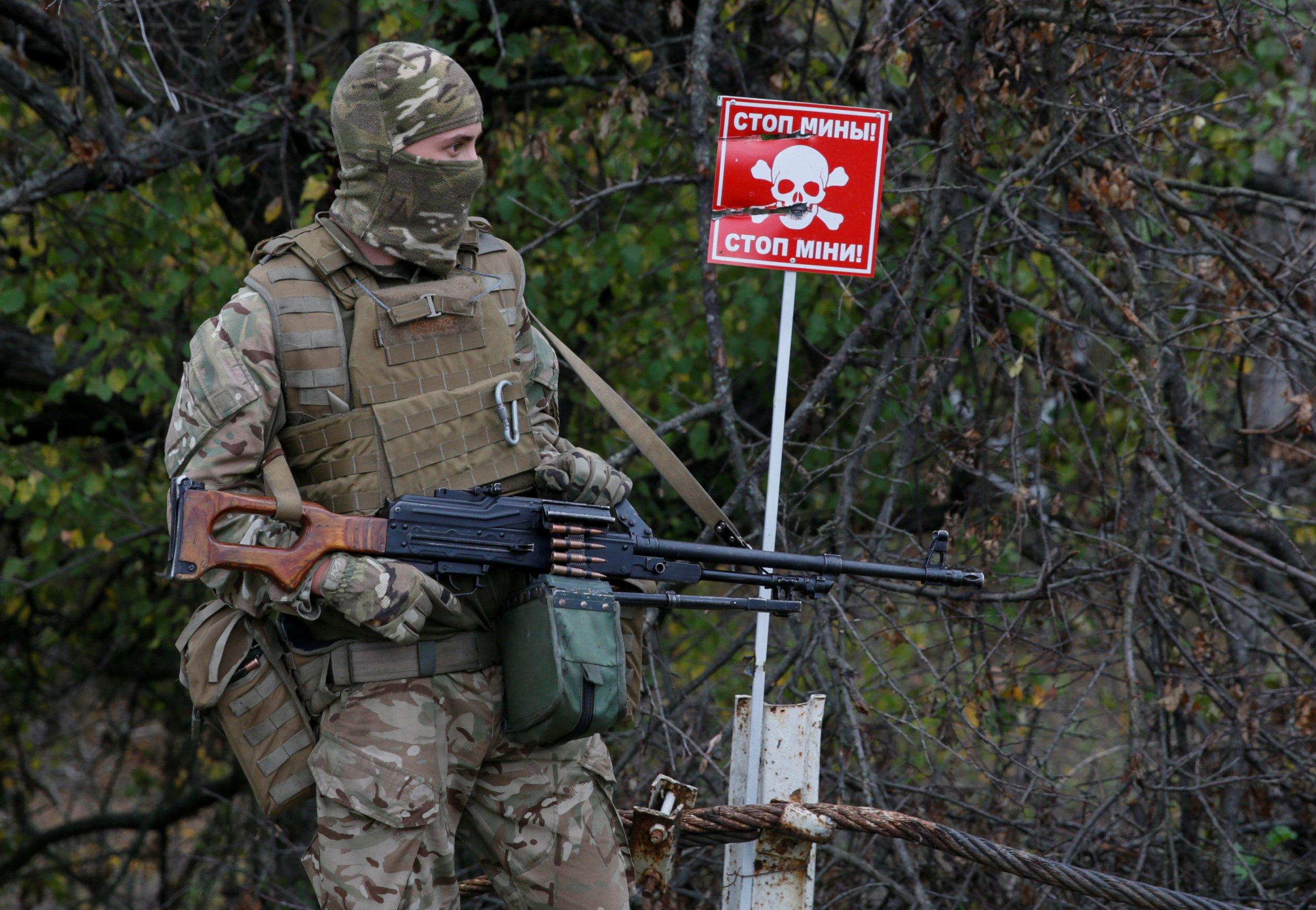 12_02_Ukraine_Donbas_01
