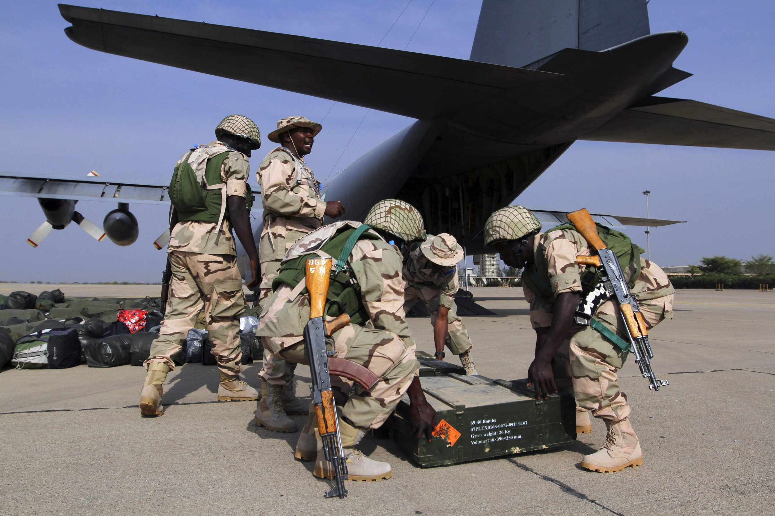 Nigeria soldiers aircraft