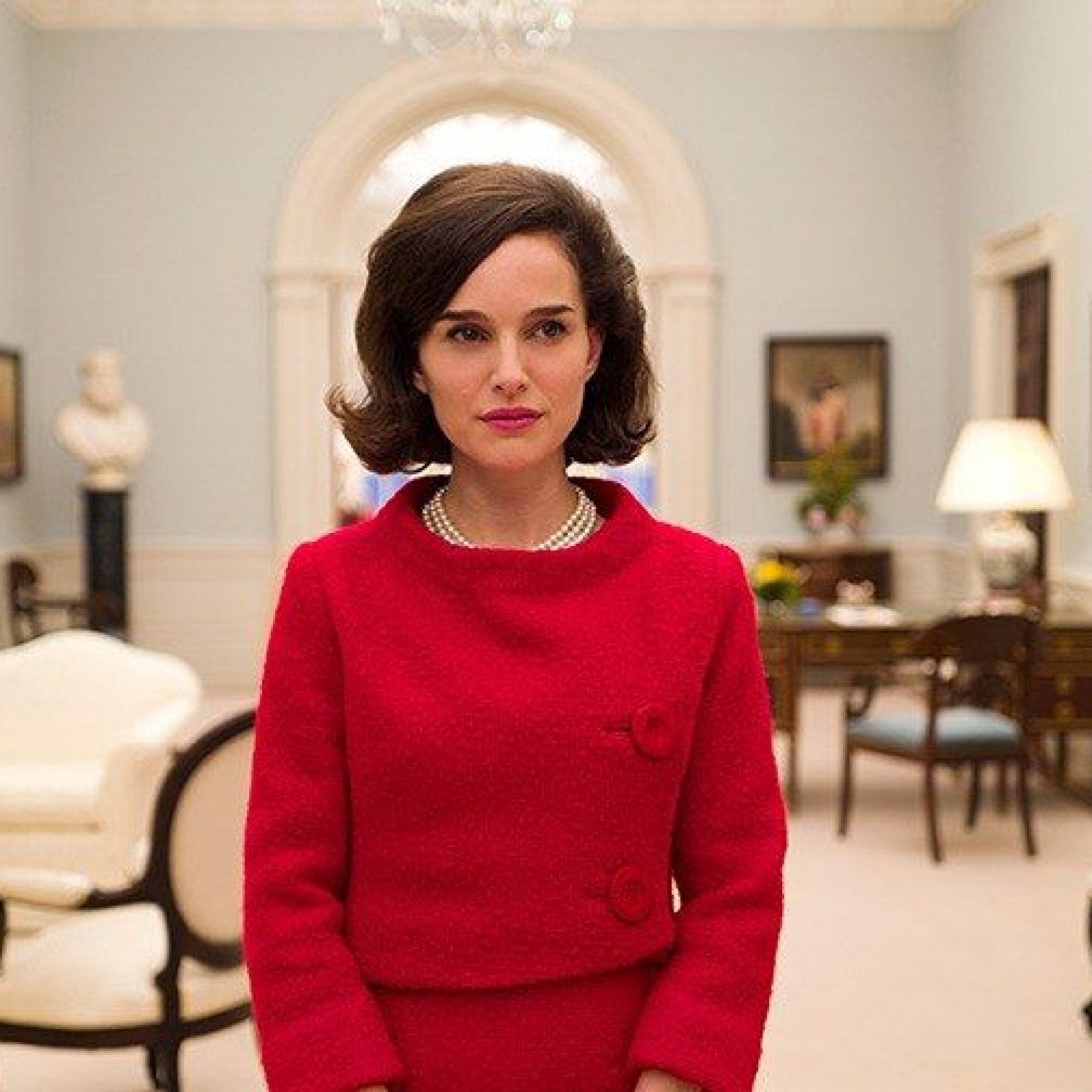 We Asked Dialect Experts to Explain What's Going on With Natalie Portman's  Accent in 'Jackie'