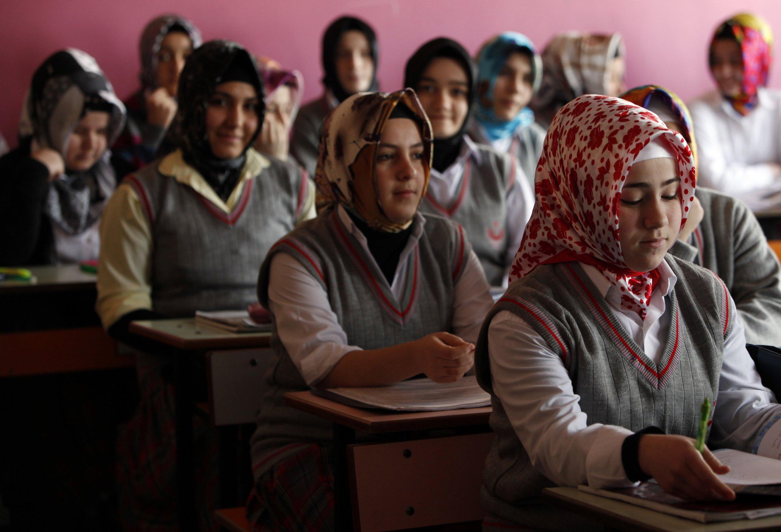 Turkey schoolgirls