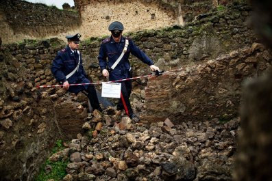 pompeii-cu01-hsmall