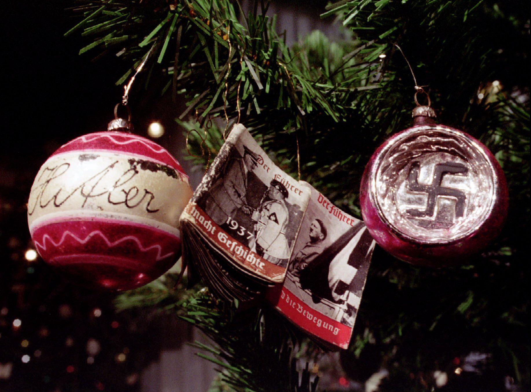 12_23_nazichristmas_01