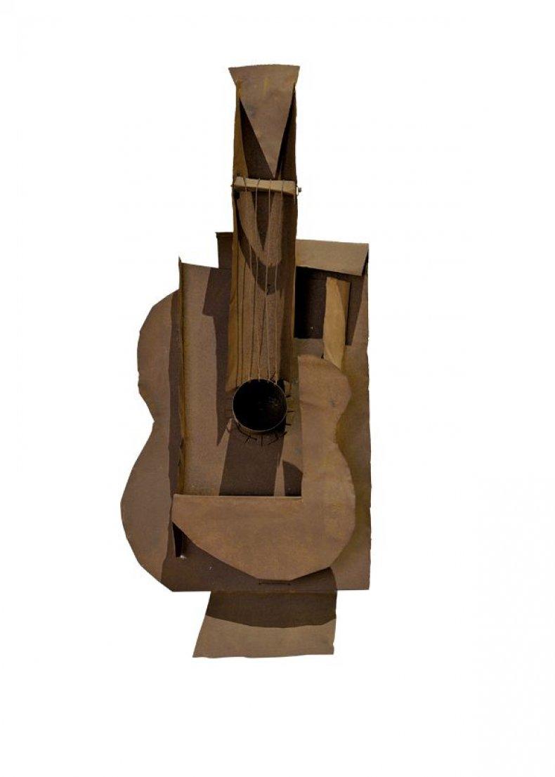 LIST-fe02-picasso-guitar