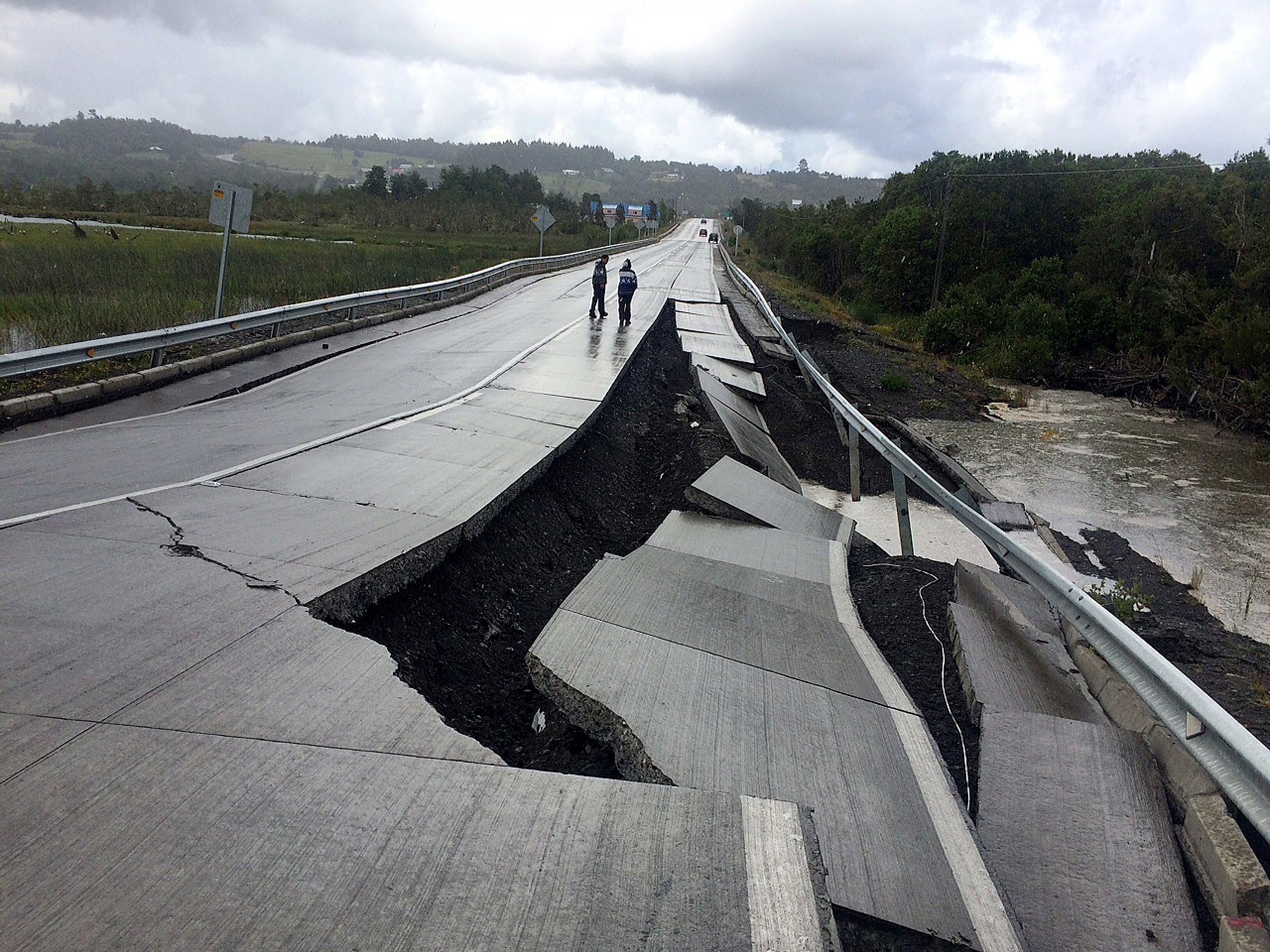 12_25_chile_earthquake_01