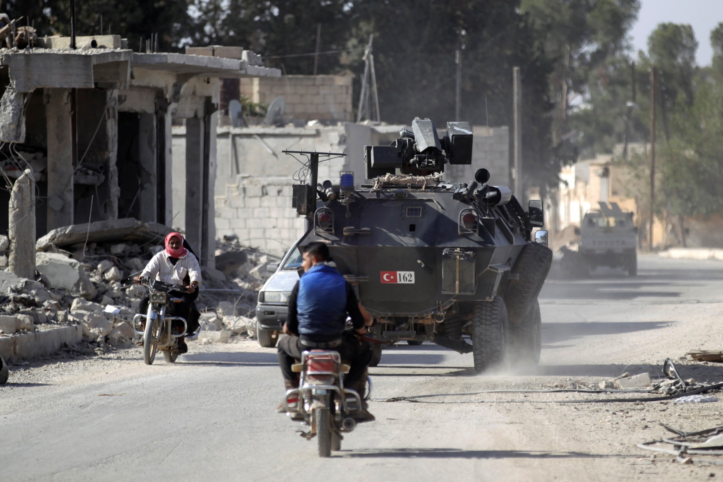 Russian Airstrikes in al-Bab Join Turkish Military's Fight Against ISIS
