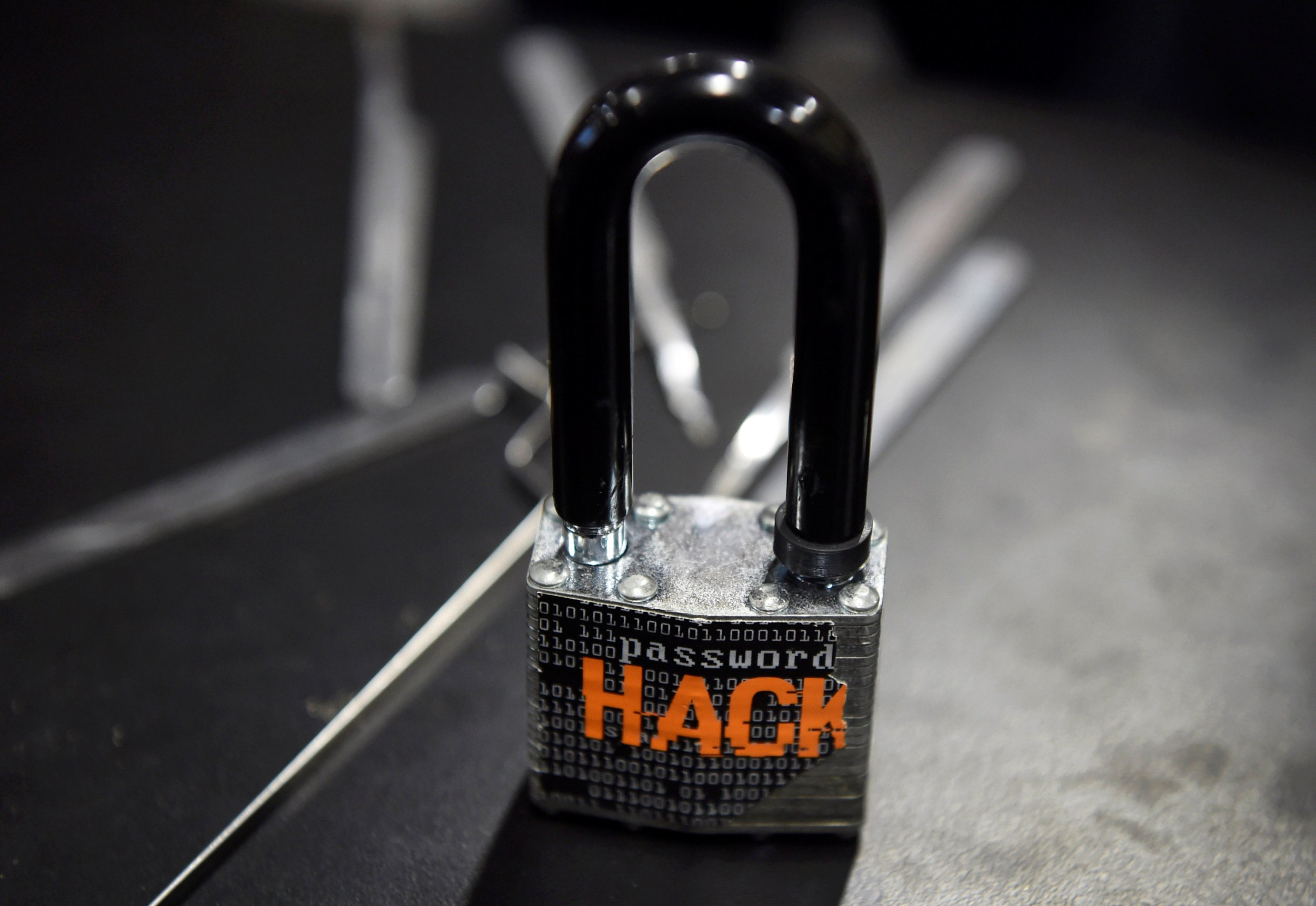 mirai botnet hacks securifi IoT