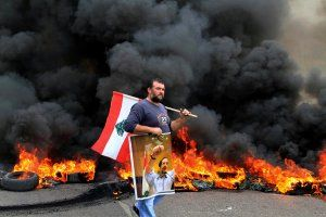 Lebanon-protests-hsmall