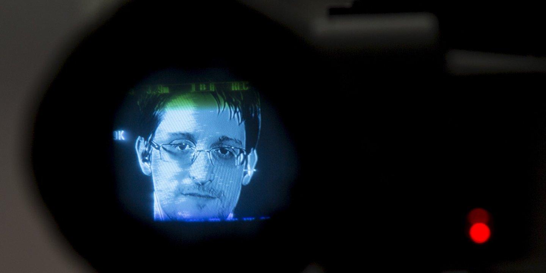 01_20_Snowden_01