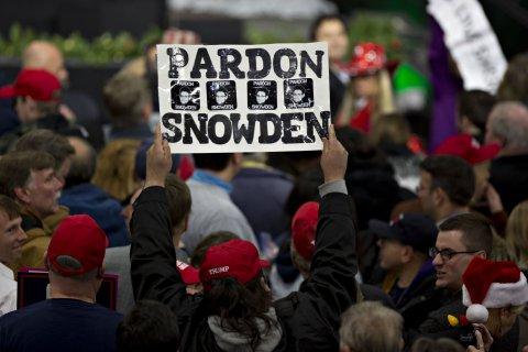 01_20_Snowden_11