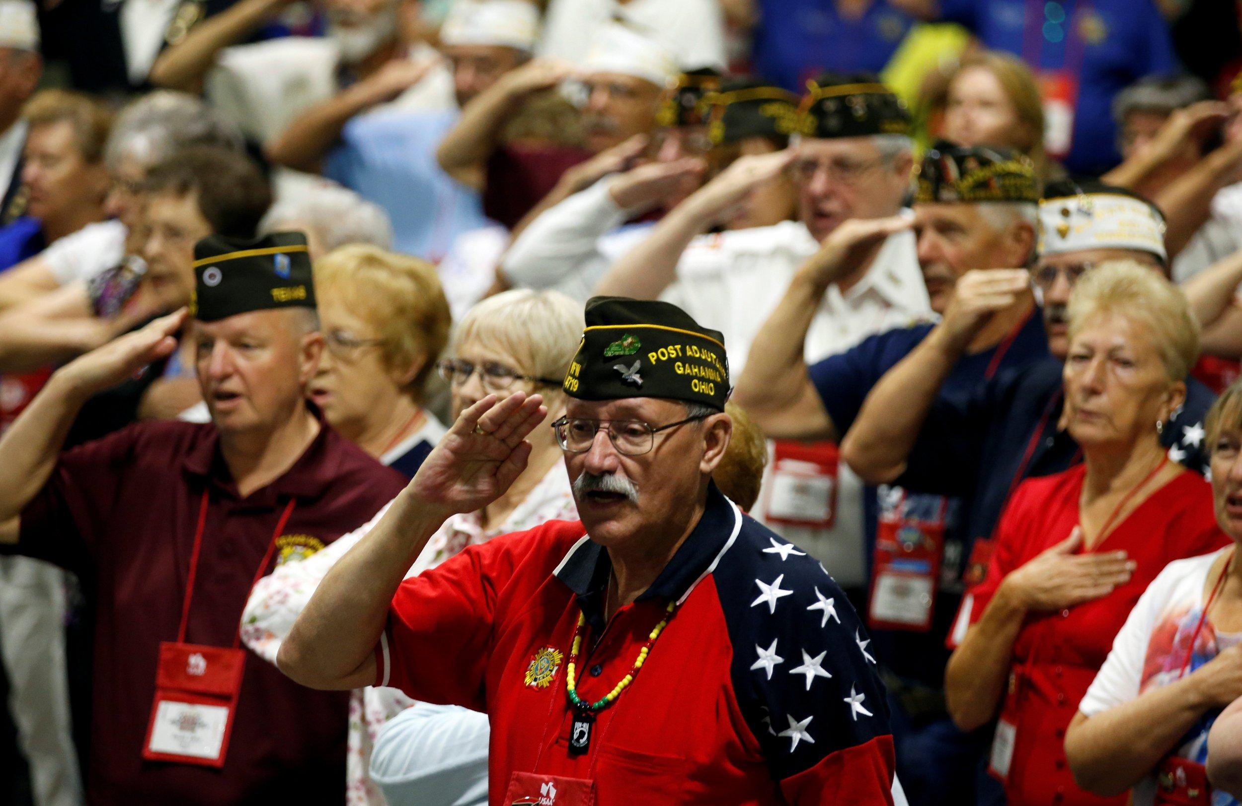 01_08_Trump_Veterans_01