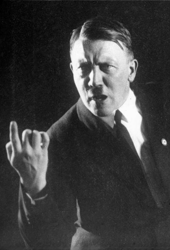 01_13_Adolf_Hitler_01