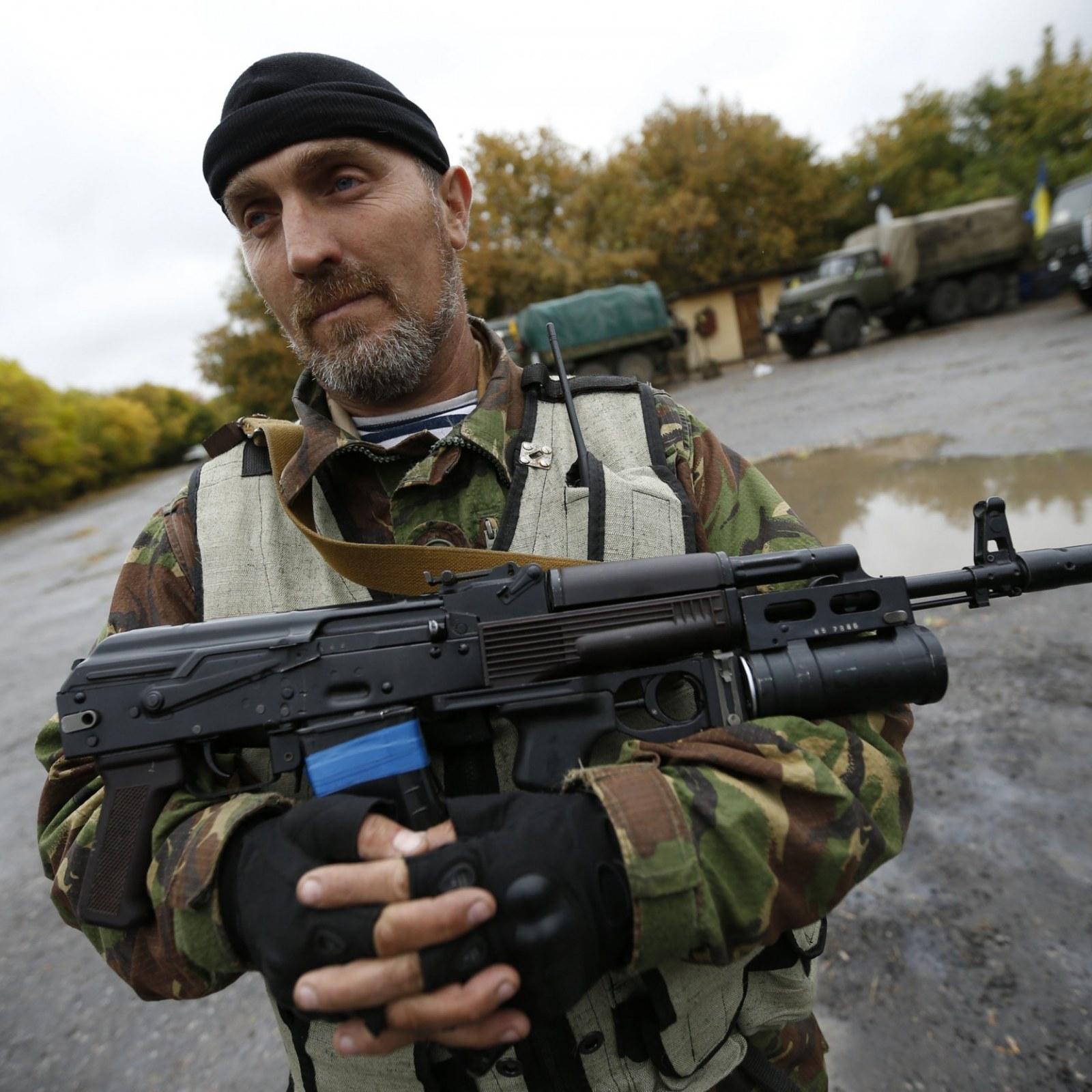 Replacing Kalashnikov Rifles Hits a Snag in Ukraine