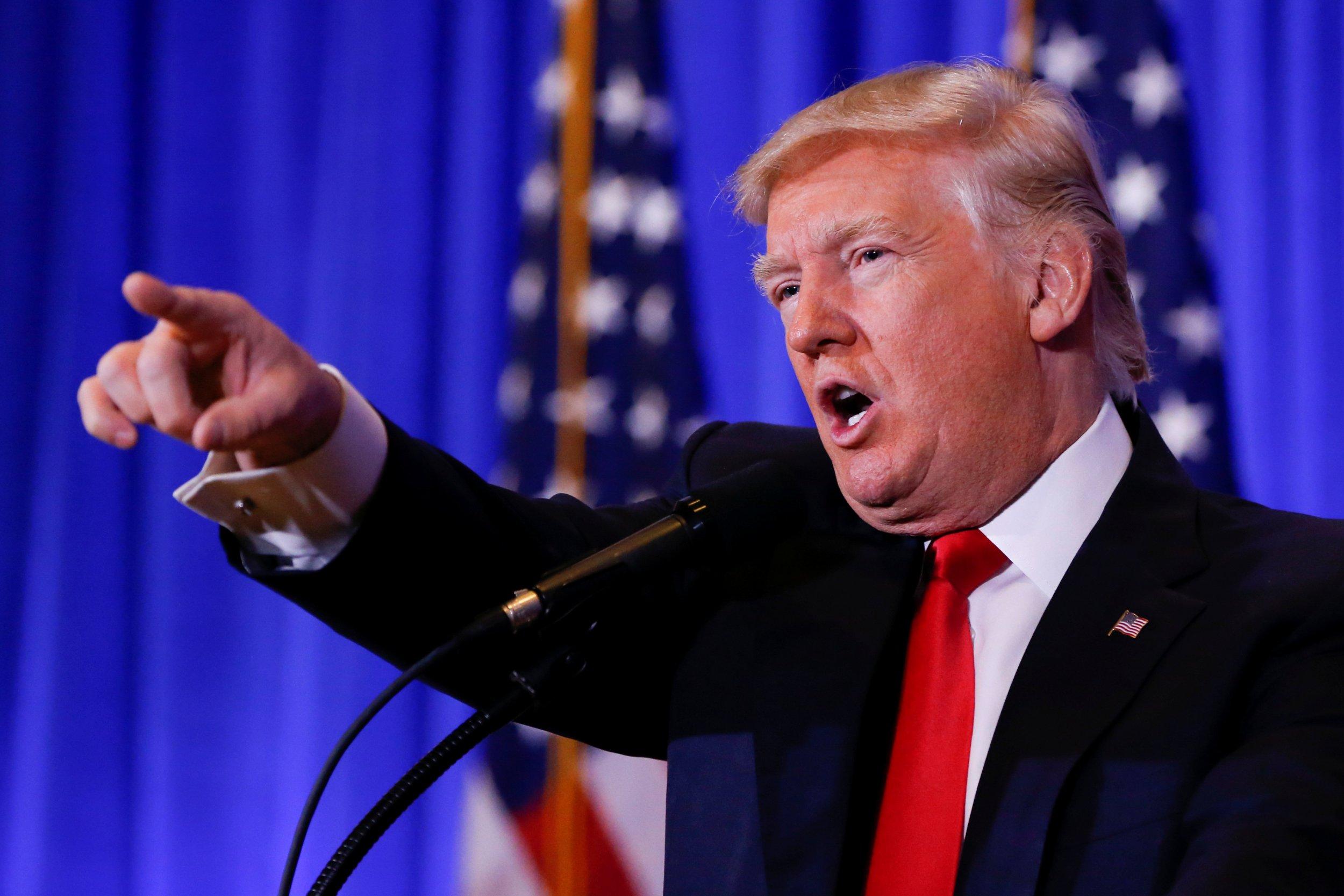 01_16_Trump_Press_01