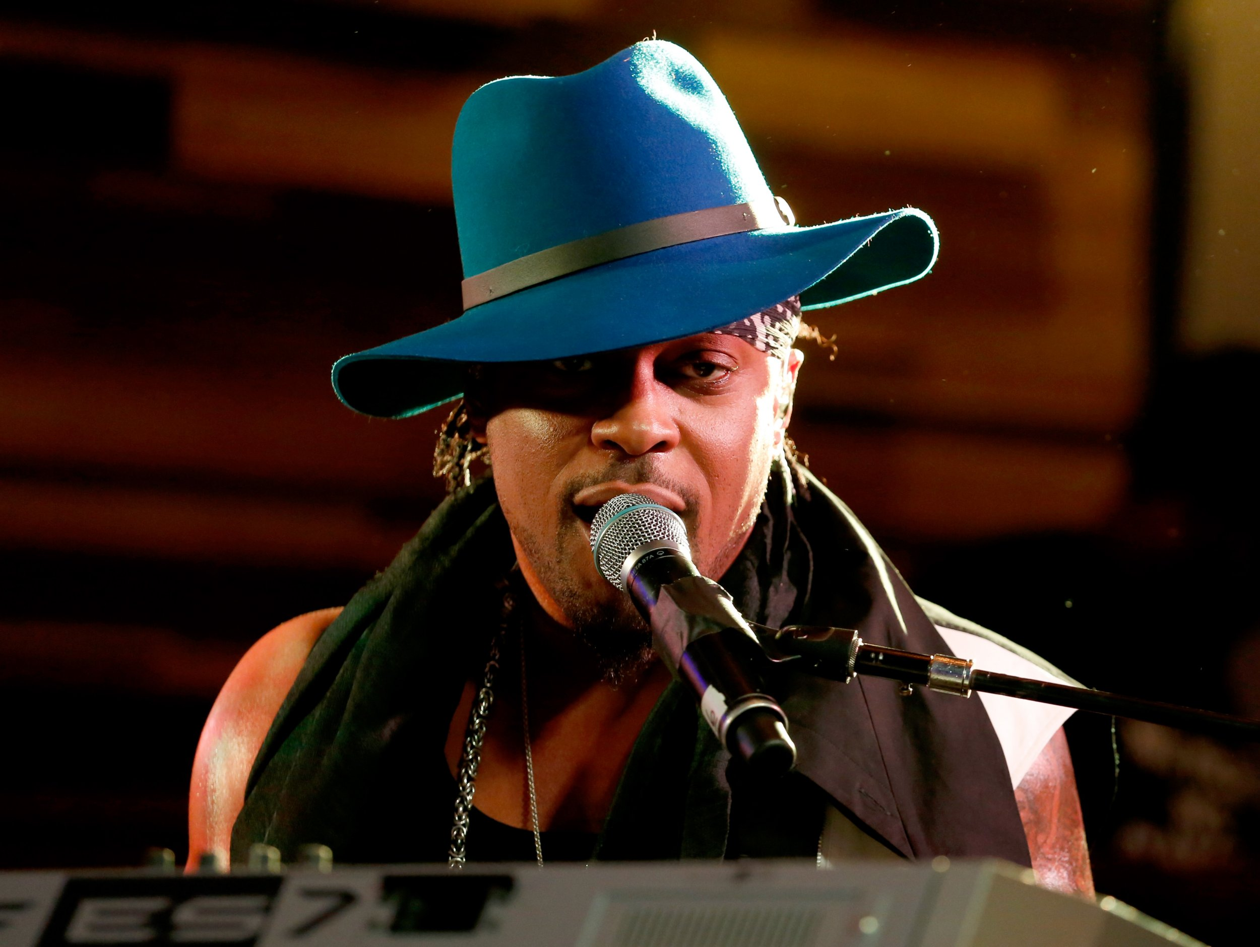 D'Angelo performs onstage