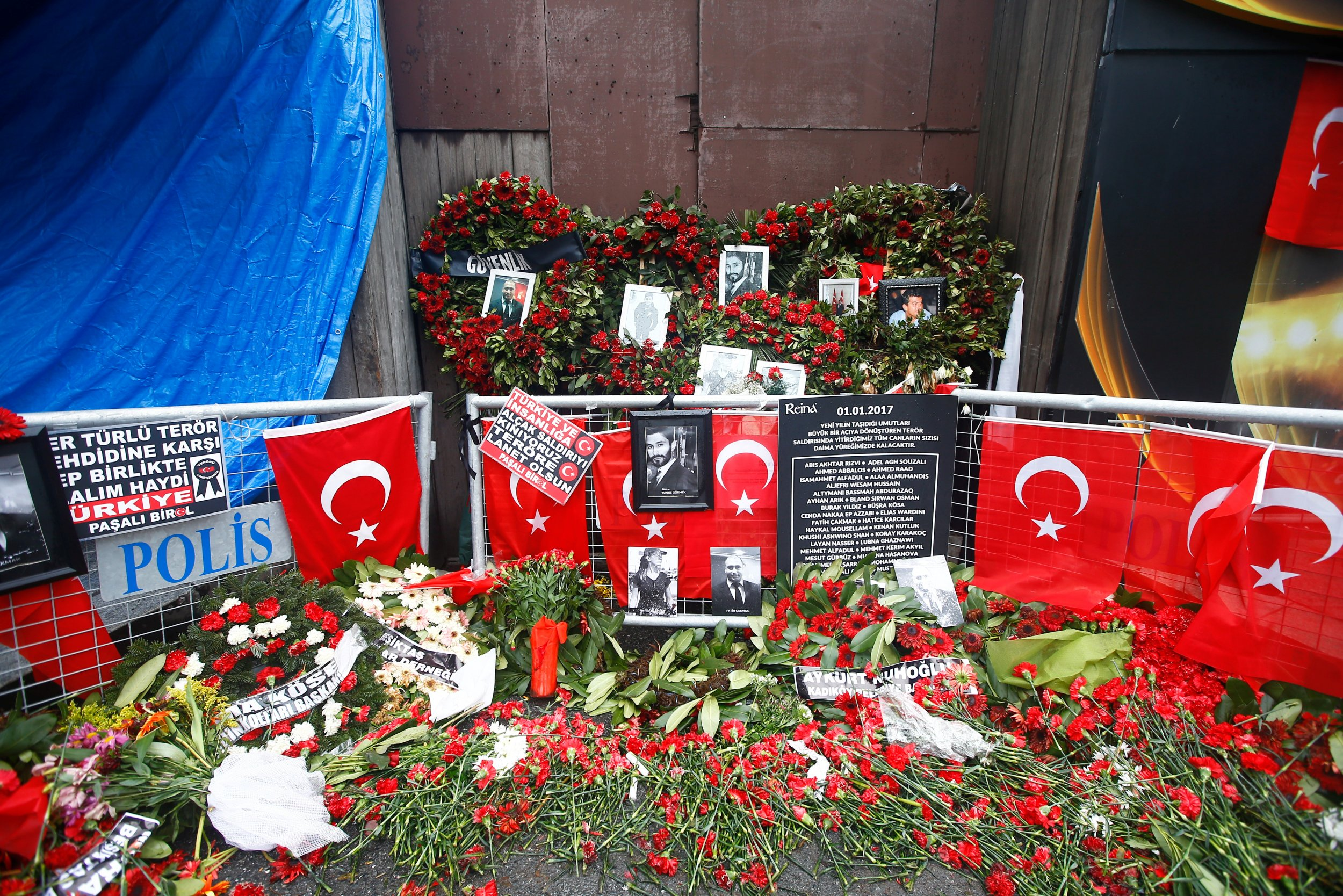 Homage to the Istanbul Nightclub victims
