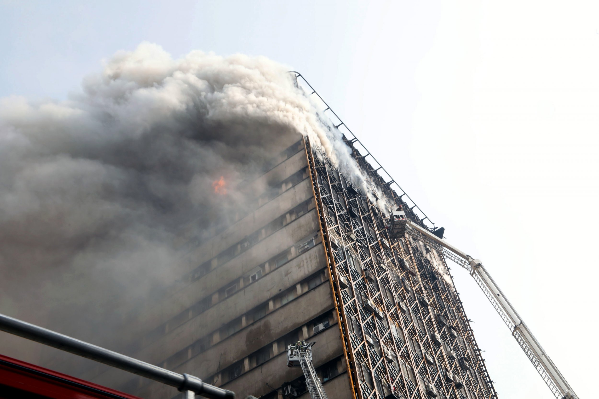 Iran building fire
