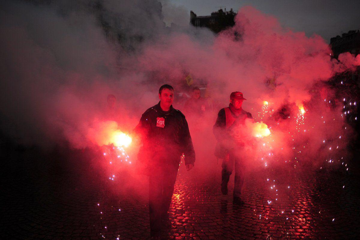 hessel-protest-book-OV10