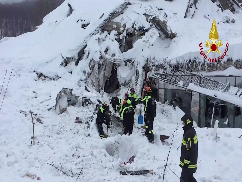 Rescuers at Farindola