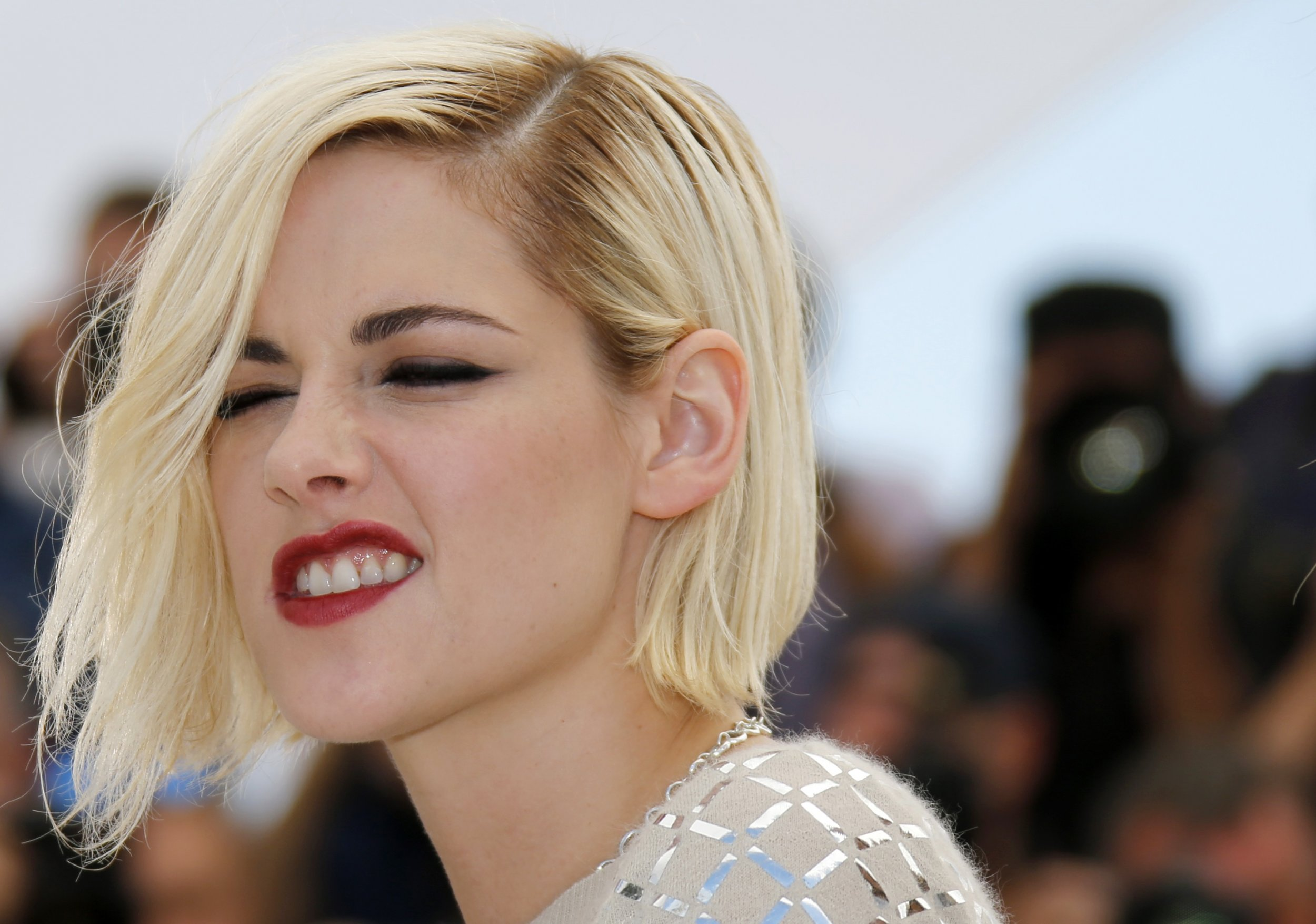 Kristen stewart publishes paper on artificial intelligence for The stewarts