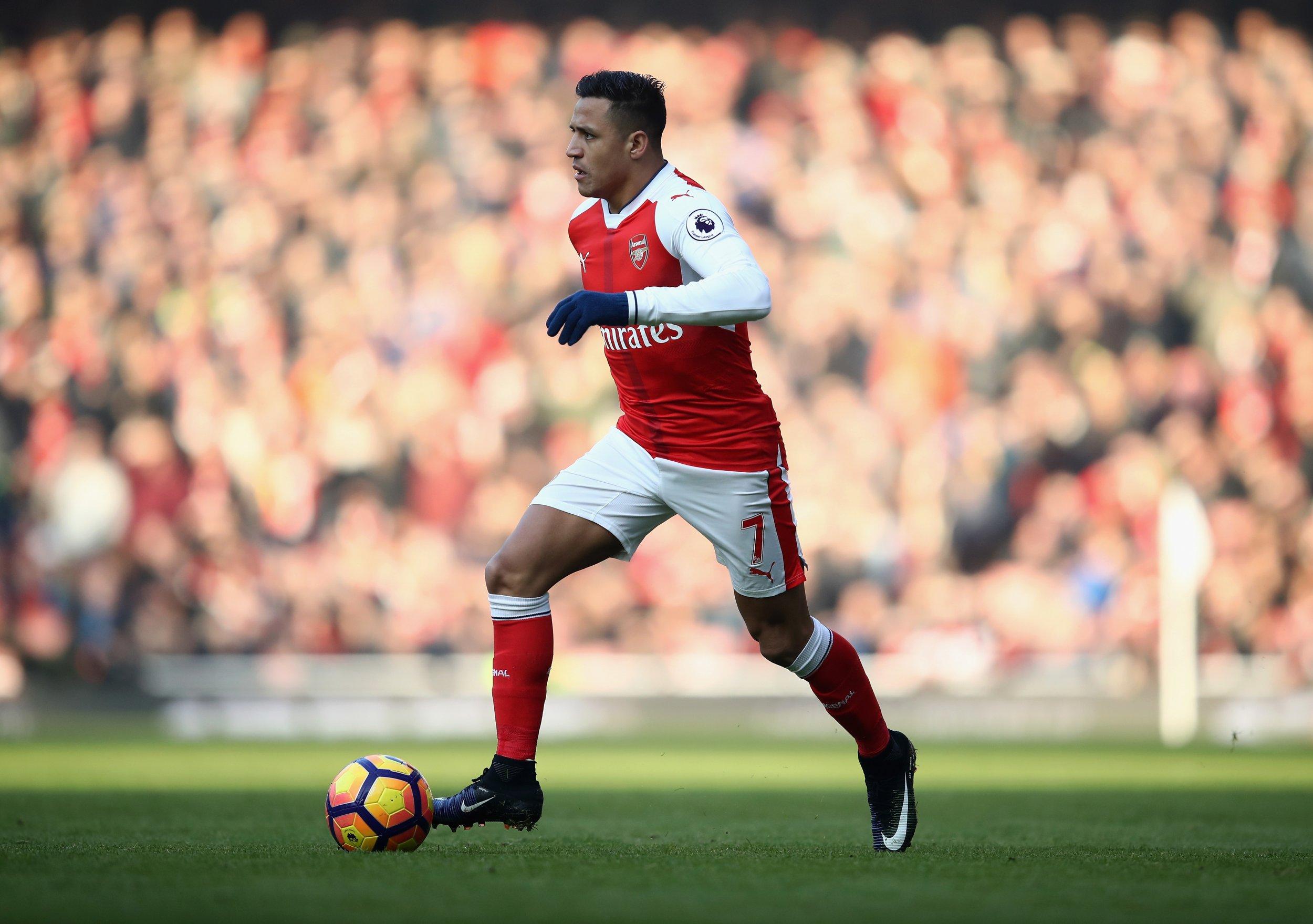 Arsenal Legend Reveals Alexis Sanchez Contract Discussion