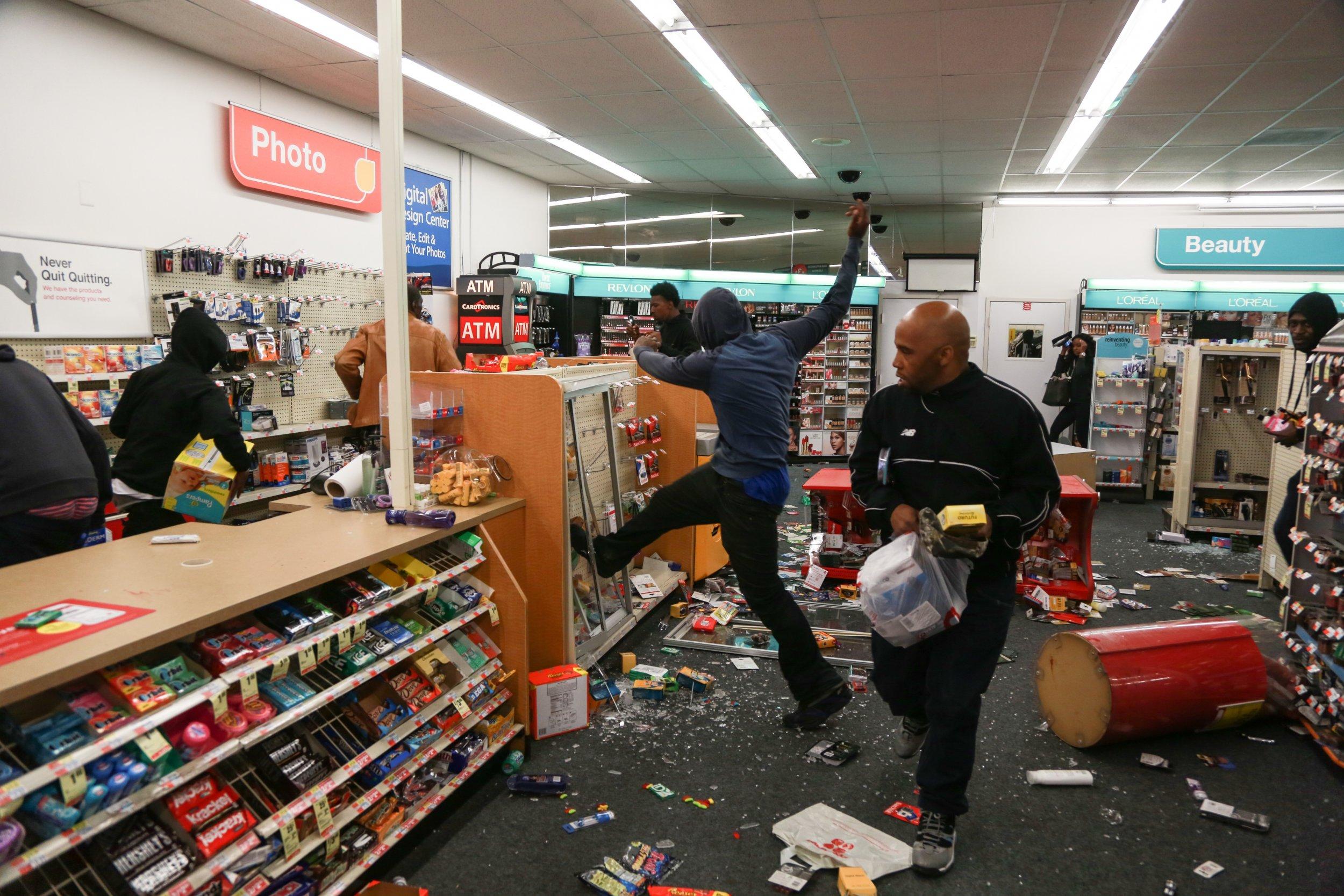 Baltimore pharmacy looting