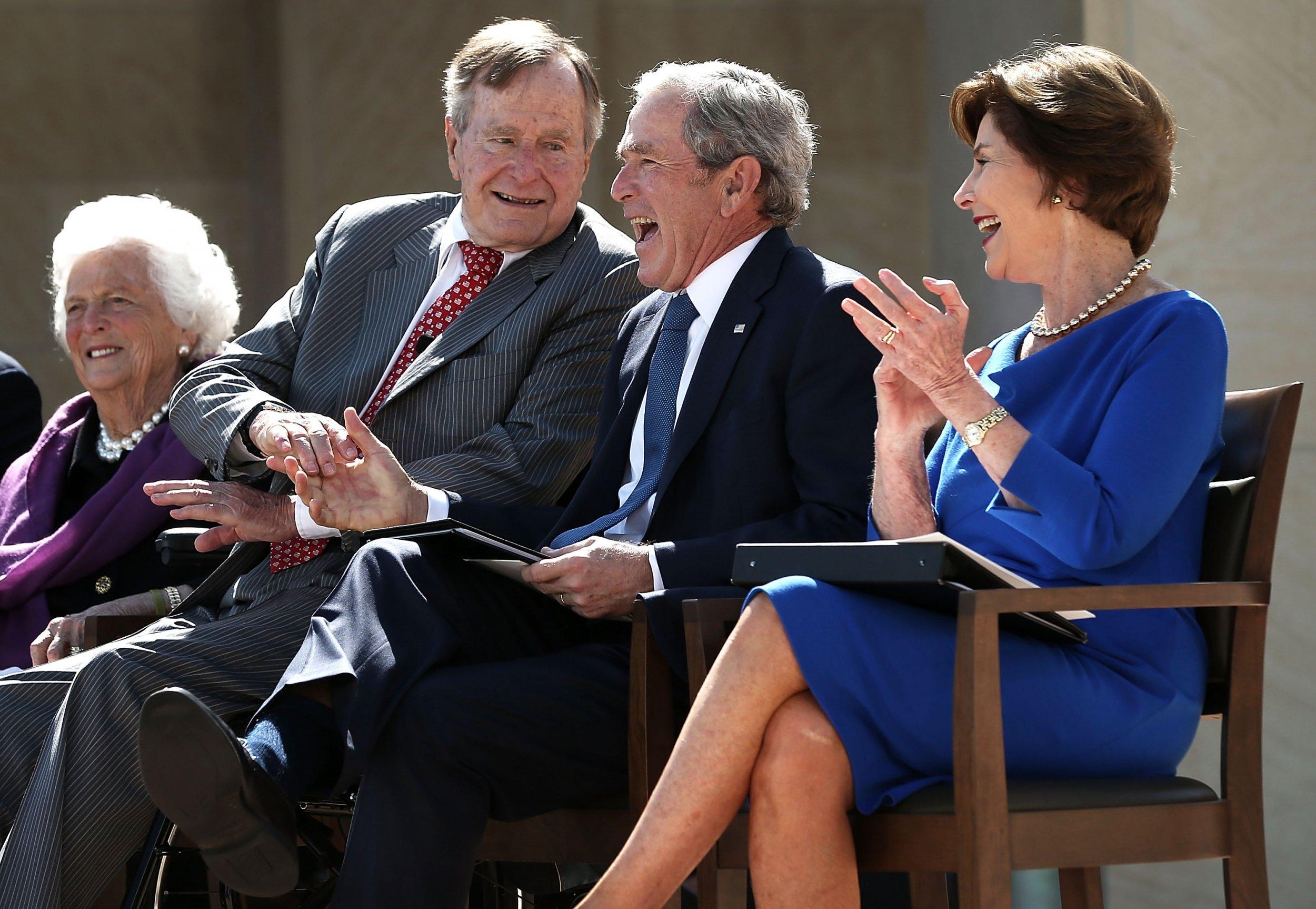 01_28_Bush_Trump_01