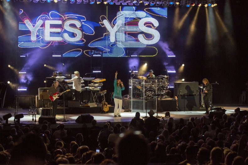 Yes live