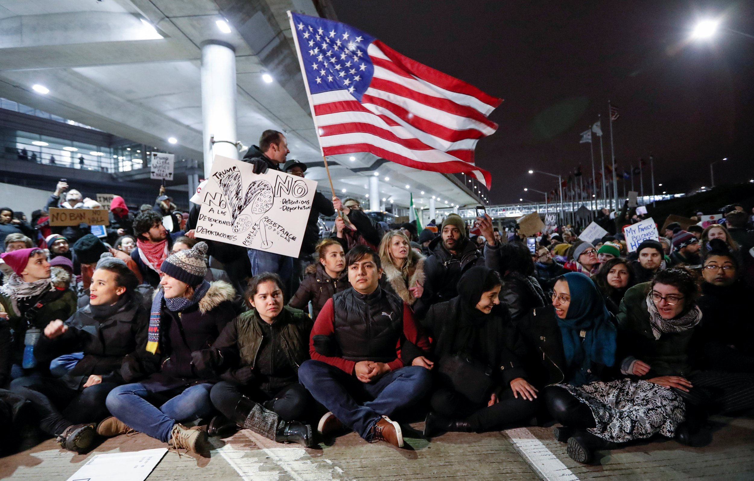 photos immigrant ban protests at american airports