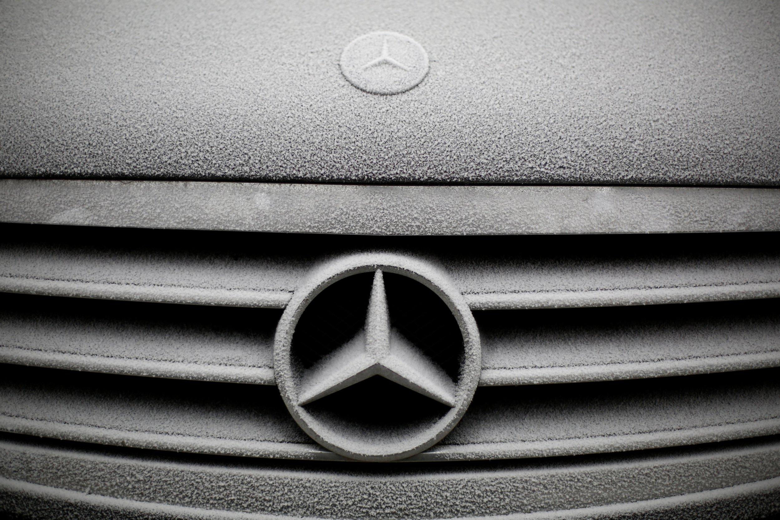 uber self-driving cars mercedes Daimler