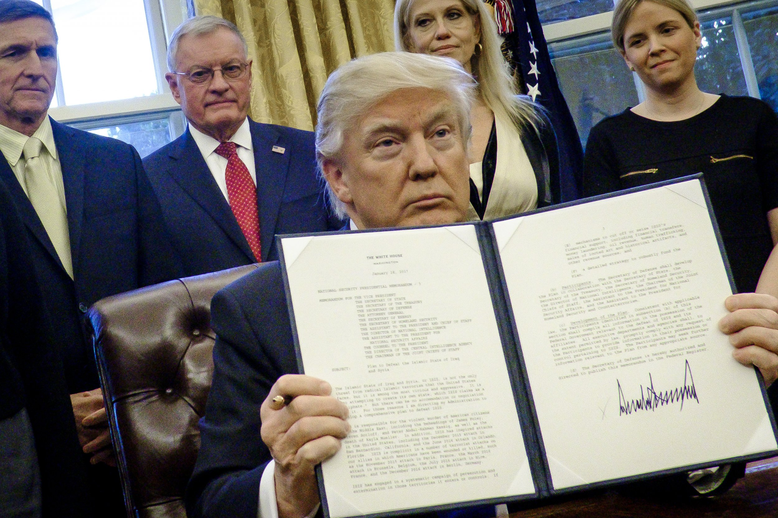 Obama Signed Order To Travel Ban