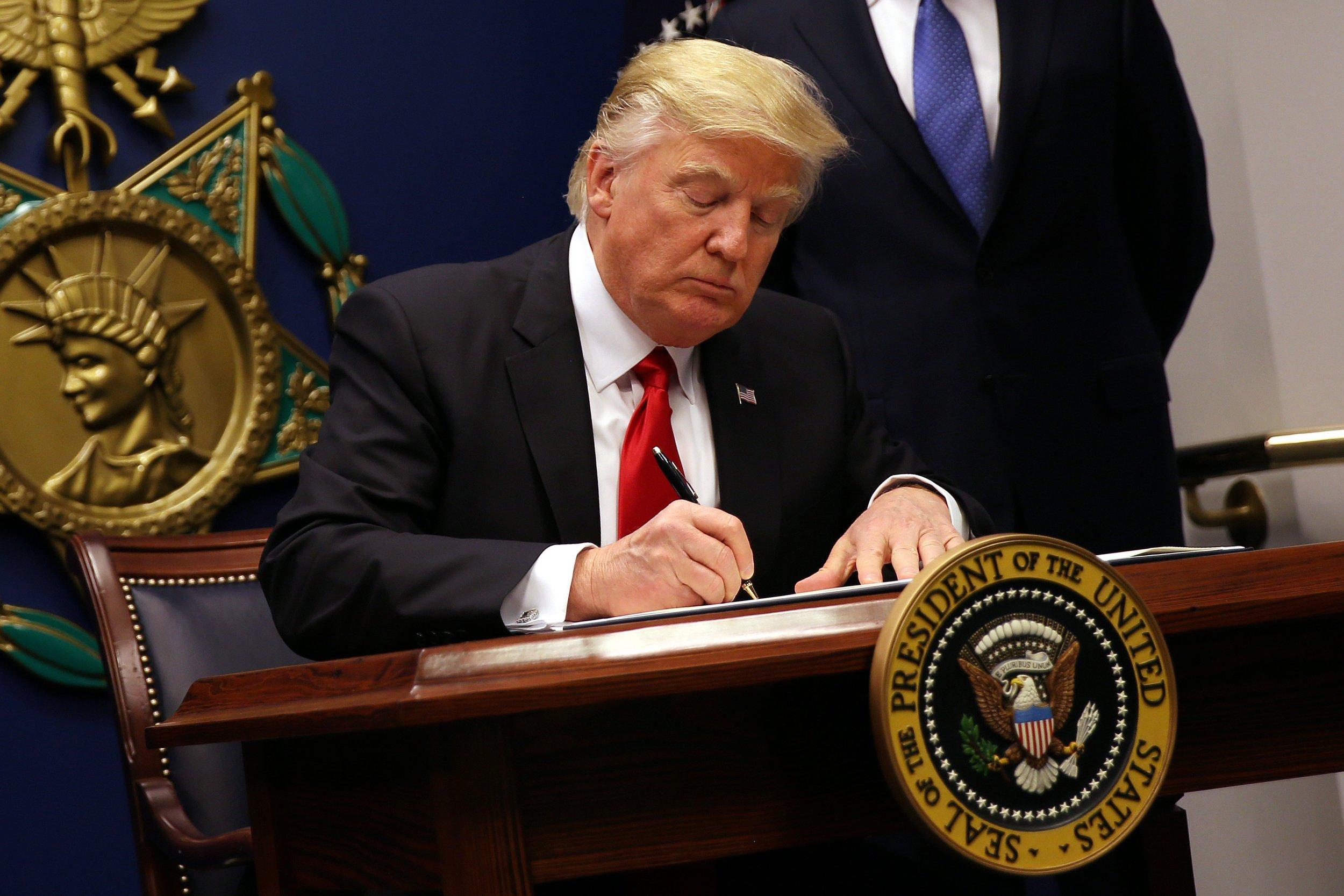 0202_Donald_Trump_executive_orders_01
