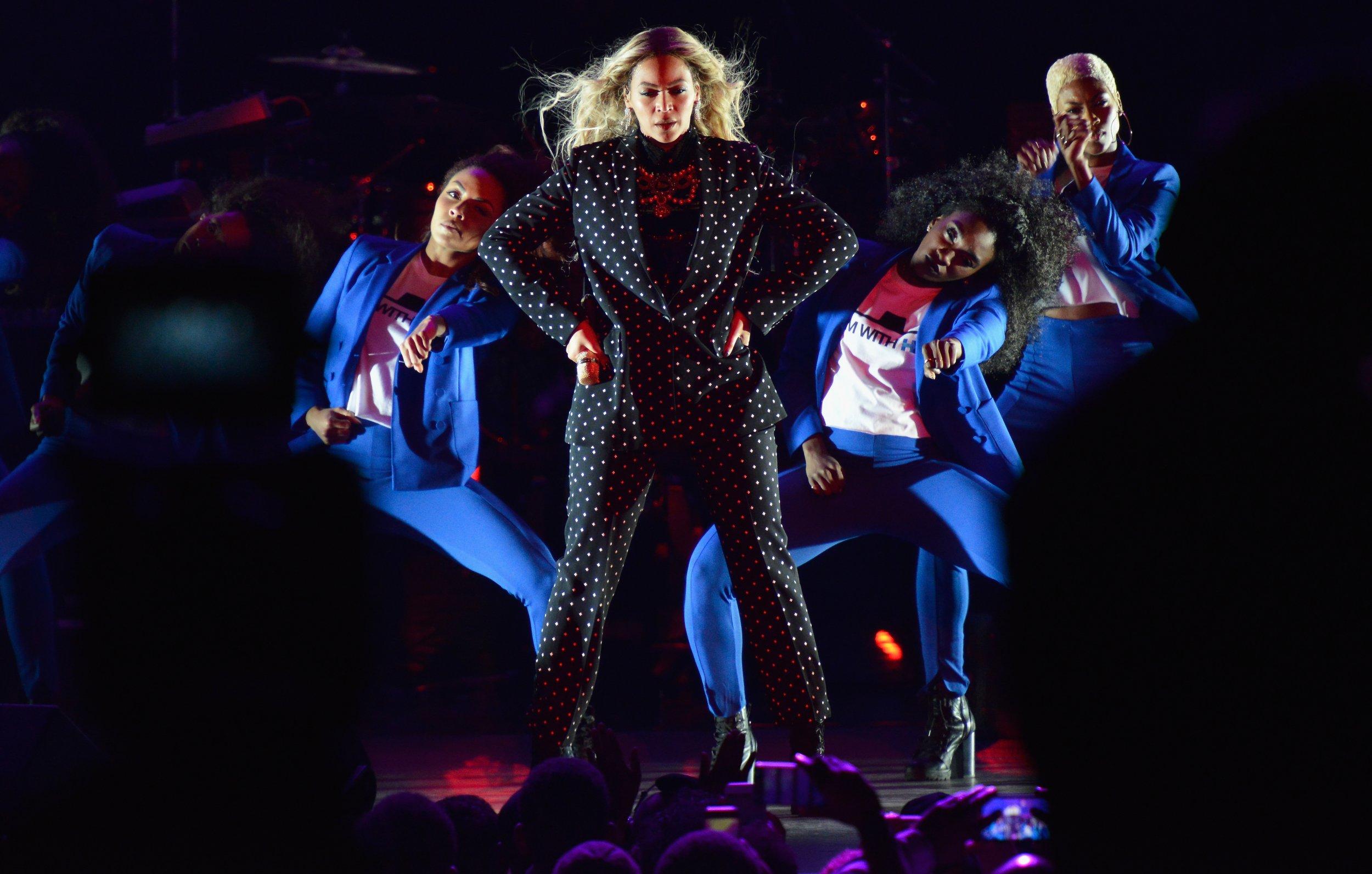 Beyonce performs