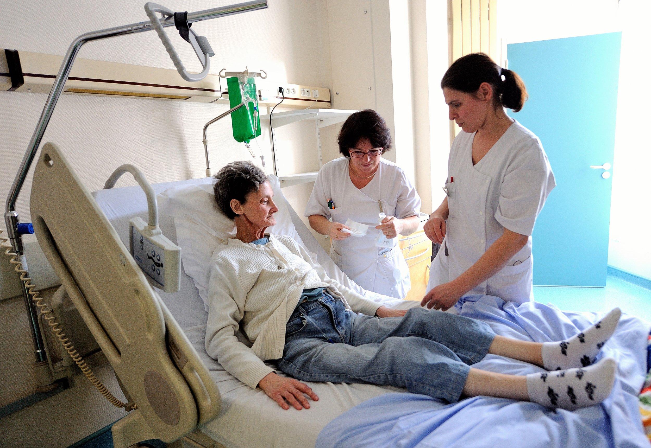 Woman cancer patient
