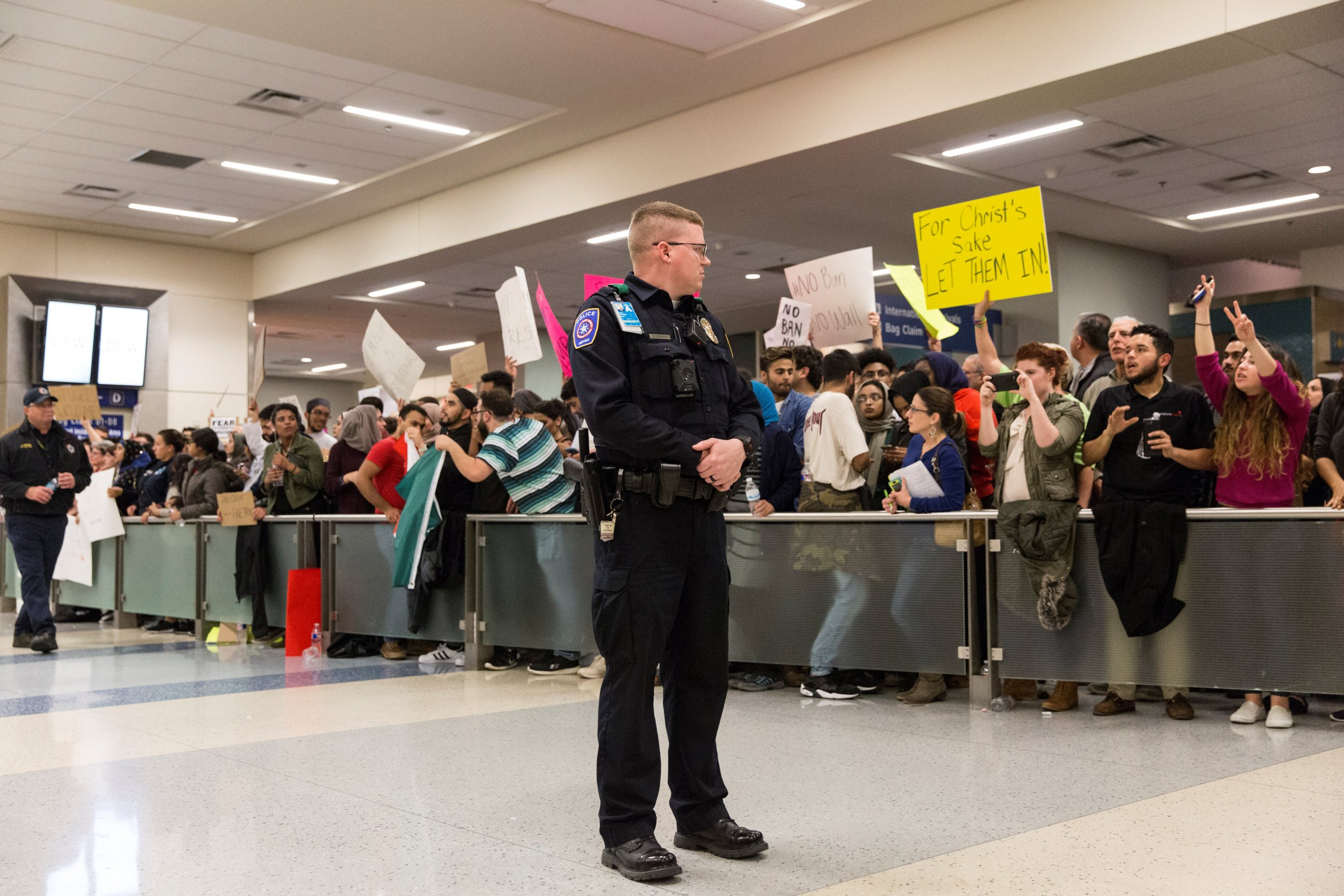 0207_Trump_travel_ban_01
