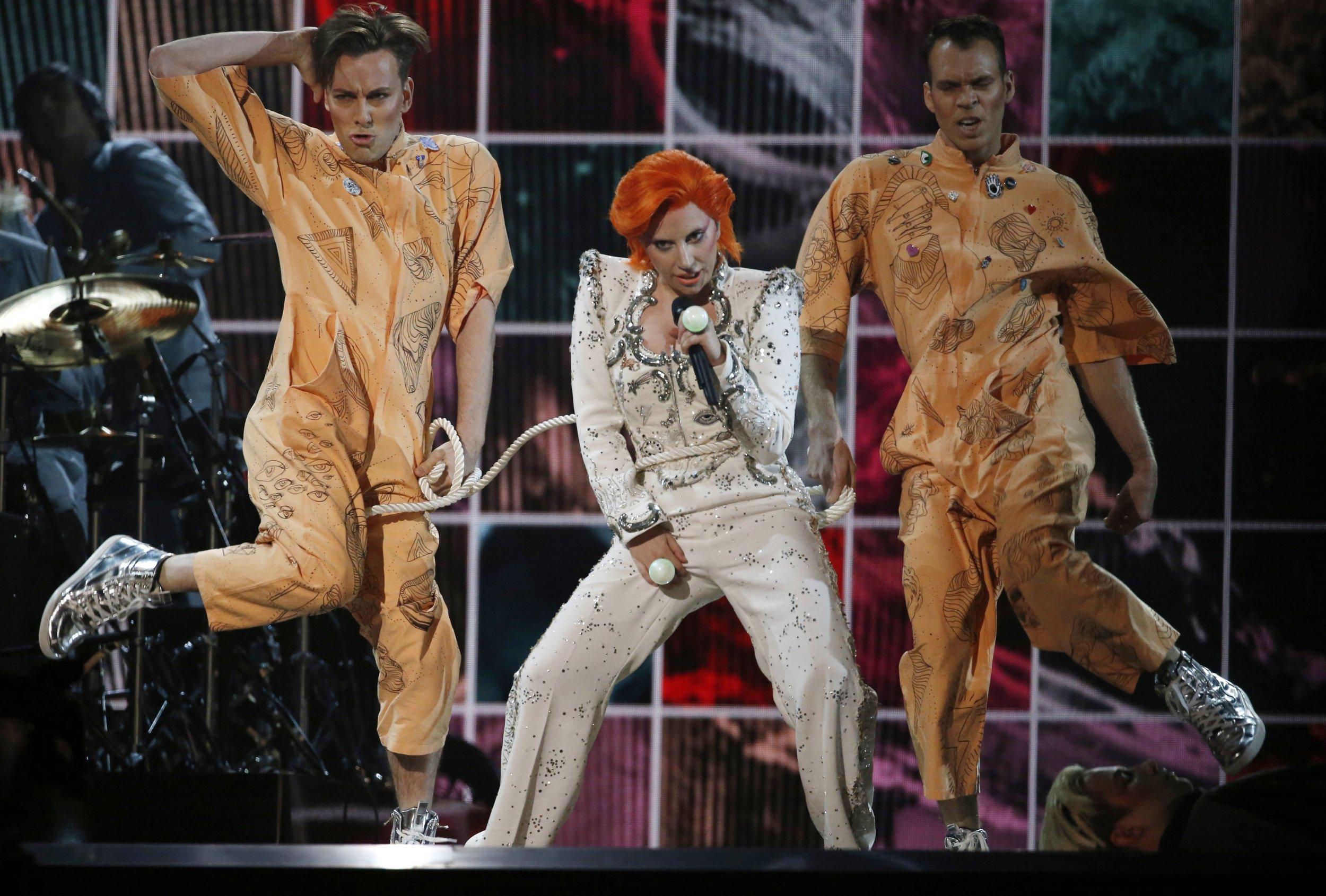 2-7-17 Lady Gaga Grammys Bowie
